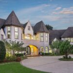 5 Must-Have Items In A Luxury Home