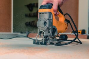 Tips to Achieve Splinter-free Cutting With a Jigsaw
