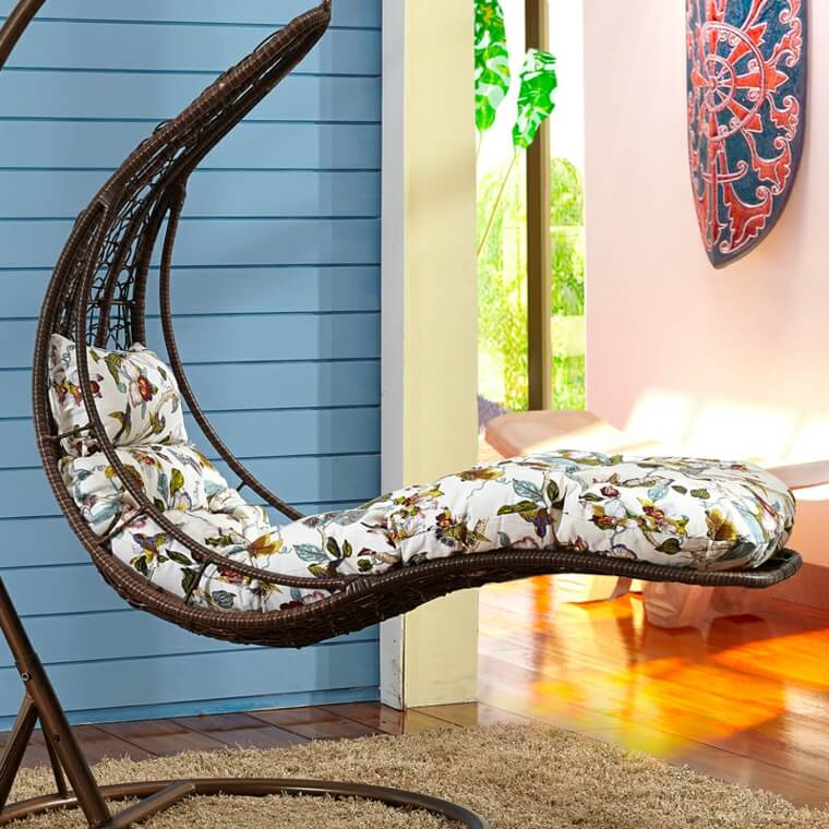 A hammock in the shape of a lounger with support